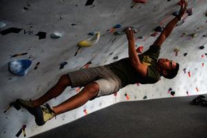 Andres Estrada climbing